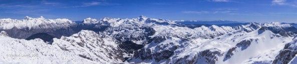 Panorama z vrha Krna (2244m) 27.4.2012
