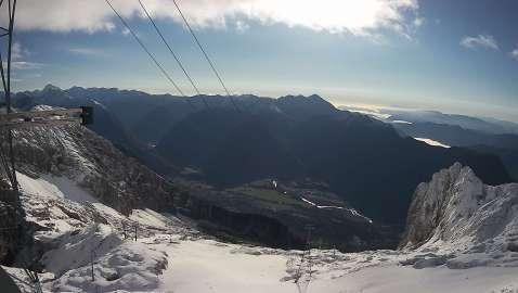 Kanin, spletna kamera iz D postaje 2202m pogled na Krn in Julijske Alpe