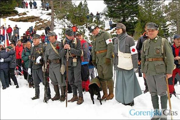 pohod spomina Krnska jezera  - vojaki