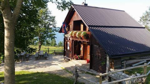 koc48da-na-planini-kuhinja1
